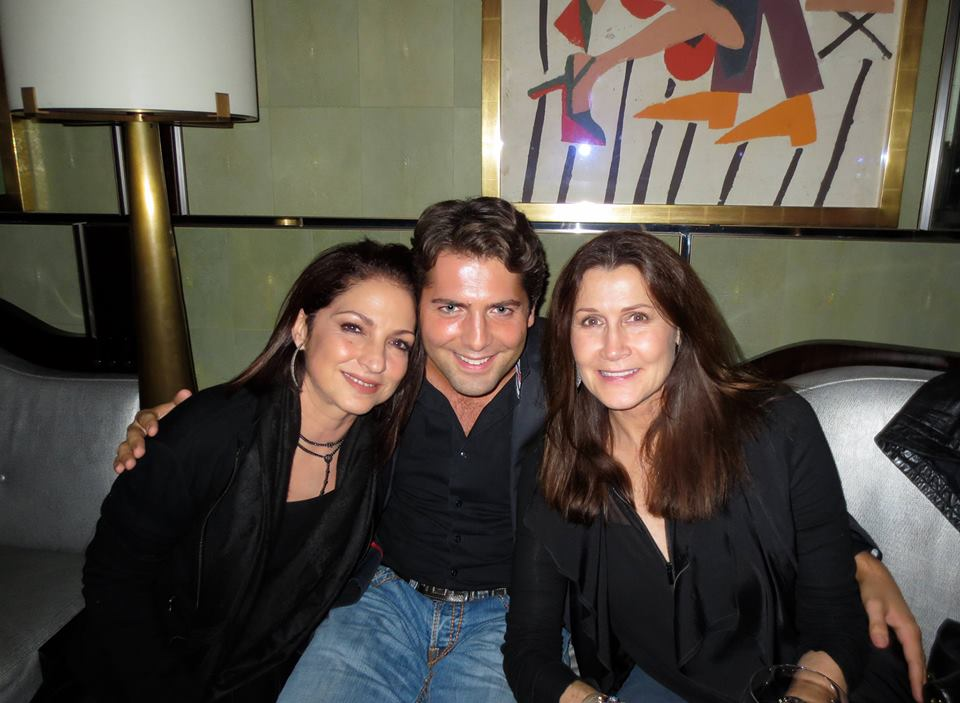 Gloria Estefan und Monica Mancini mit Baptiste in London
